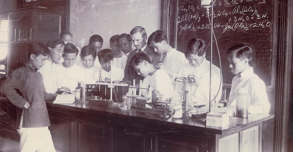 Mr. Williams' Chemistry Class, fourth year Middle School, Oct. 1913